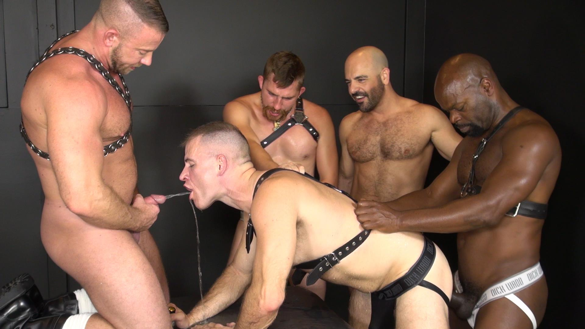 gay massageguide club erotica